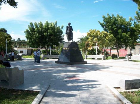 Plaza Bolívar Yaguaraparo