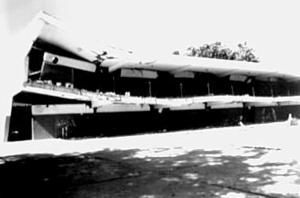 Escuela Valentín Valiente, de Cariaco destruída.